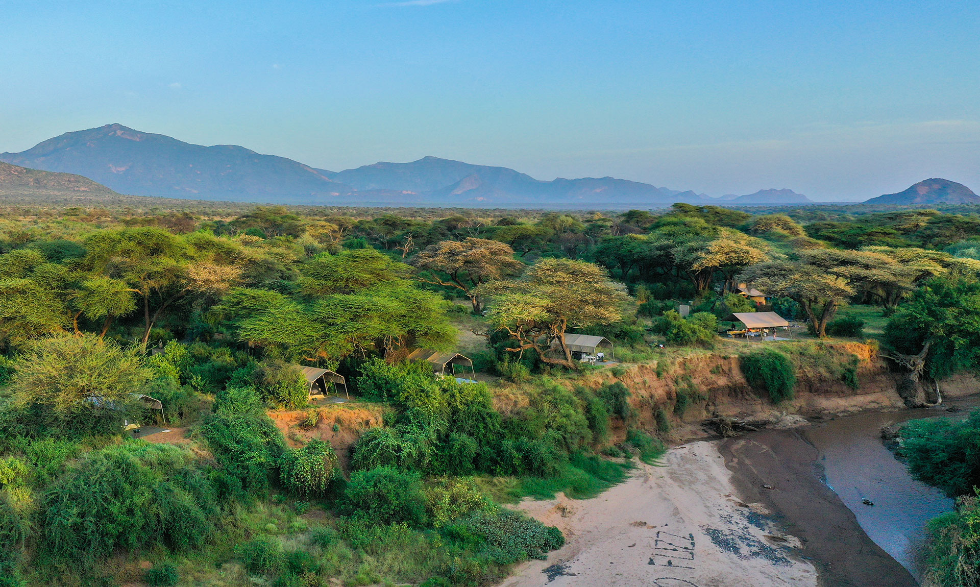 Under Canvas – Privately Guided Safaris